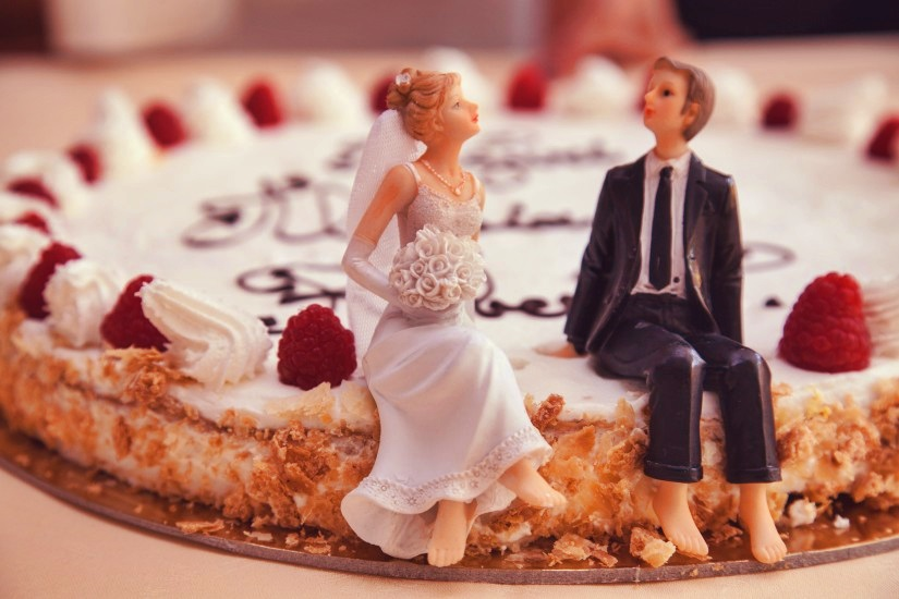 cake-ceremony-couple-2226-825x550