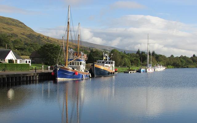 small-boats-248112_640